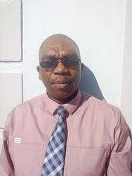 Melumzi Pakama, estate agent